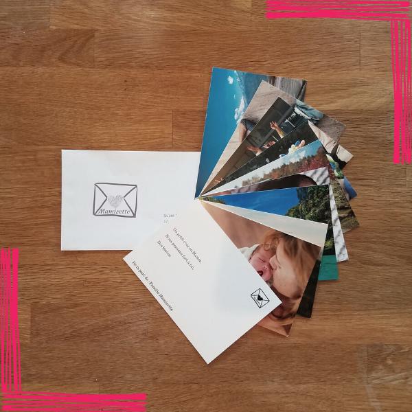 1 enveloppe contenant jusqu'à 10 cartes et expédiée une fois par mois avec amour pendant 1 an.